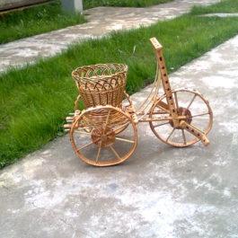 Велосипед из лозы 01